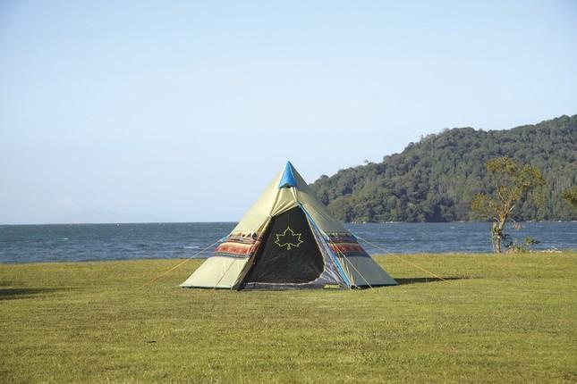 画像2枚目のアイロンビーズのモチーフとなったテント「LOGOSナバホTepee300」(画像はロゴスより提供)
