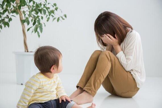 働きたいのに…休校中の子ども抱える母の苦悩
