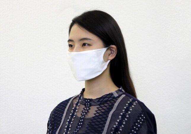 ガーゼなどを挟んで使える無縫製マスク