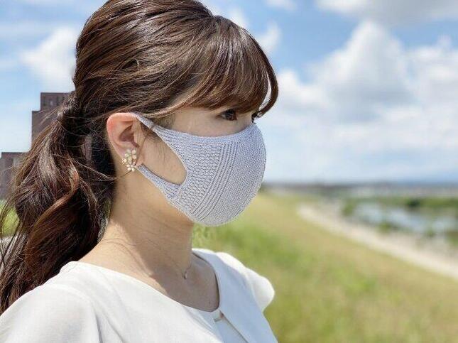 夏でも涼しいニット製マスク