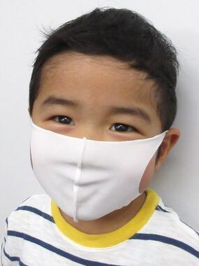 「夏用冷感マスク キッズサイズ/白(5枚入り)」着用例