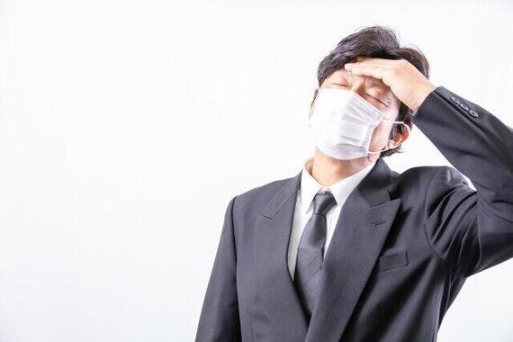 夏場のマスク着用に心配や悩みの声が広がっている(画像はイメージ)