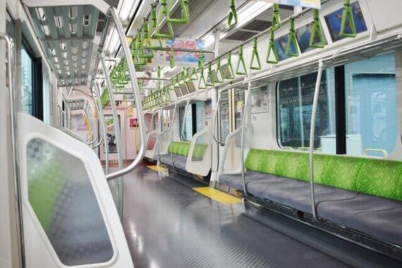 時差通勤でも混んできた電車(画像はイメージ)
