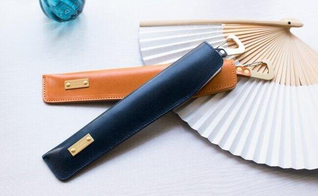 扇子をお洒落に携帯できる扇子ケース