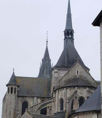 聖歌を中世から、現代まで伝えている各地のフランスの教会