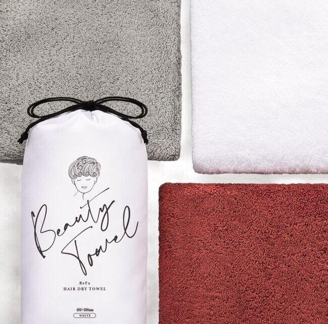 デリケートな髪の水分を素早く吸収するタオル