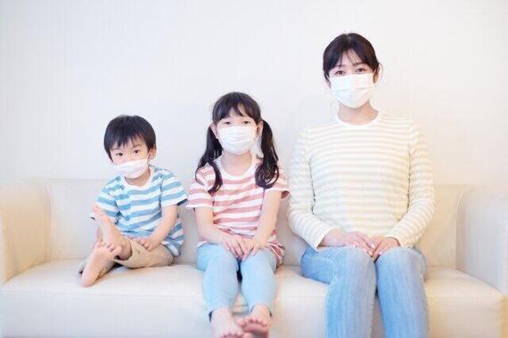 家庭内感染増加で家でもマスク(画像はイメージ)