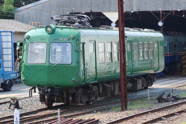 現在も熊本電鉄北熊本駅で保管されている「青ガエル」。1985年に東急電鉄から譲渡され、2016年に現役を引退した(写真は2018年6月撮影のもの)
