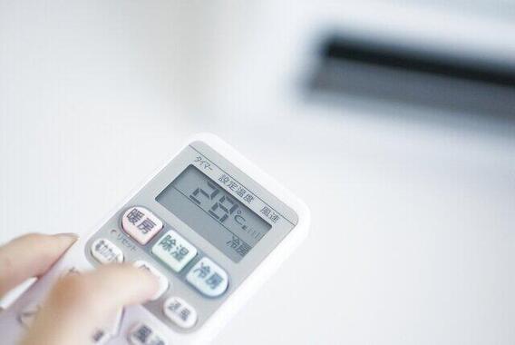 エアコンの冷房設定何度にしてる?