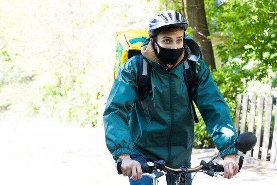 自転車に乗る時マスクする?