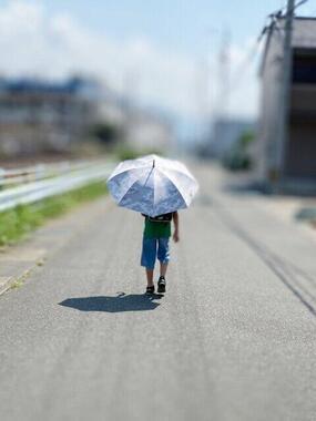 暑さ対策に登下校時の日傘は必要なのか?