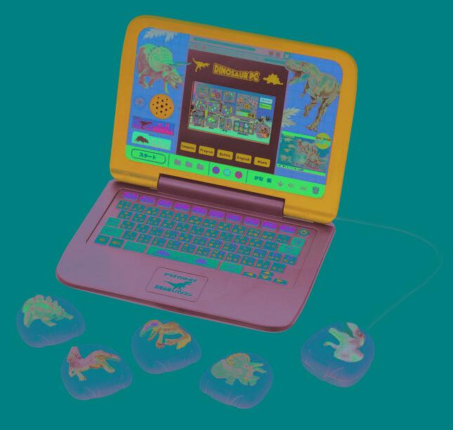 世代を超えて人気の「恐竜」たちに触れて、よく学び・よく遊べる