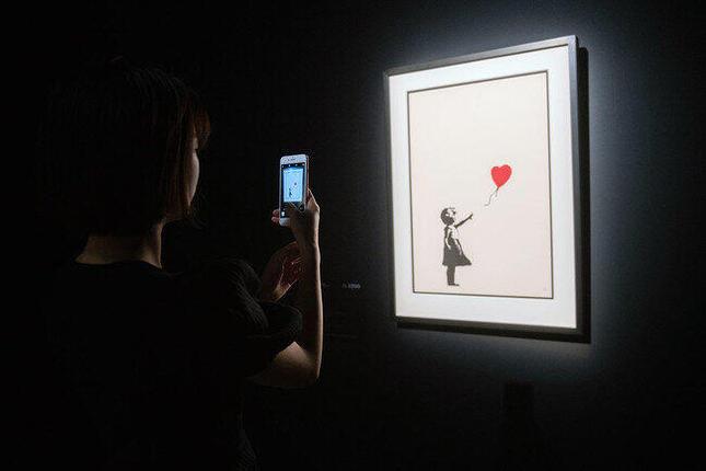 大人気「バンクシー」展10月まで会期延長