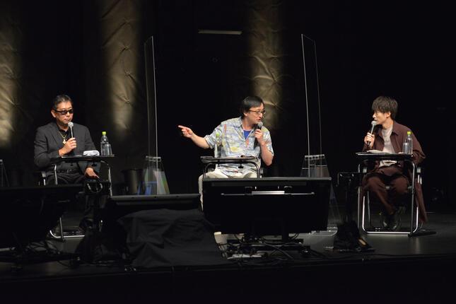 (左から)月刊ムー編集長の三上丈晴さん、オカルト研究家の吉田悠軌さん、俳優の小澤廉さん
