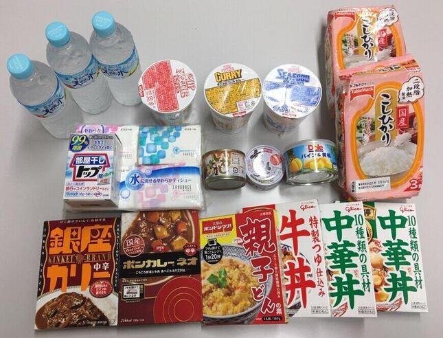 千葉県浦安市の「自宅療養等緊急支援事業」で扱っている物資(画像は同市職員より提供)