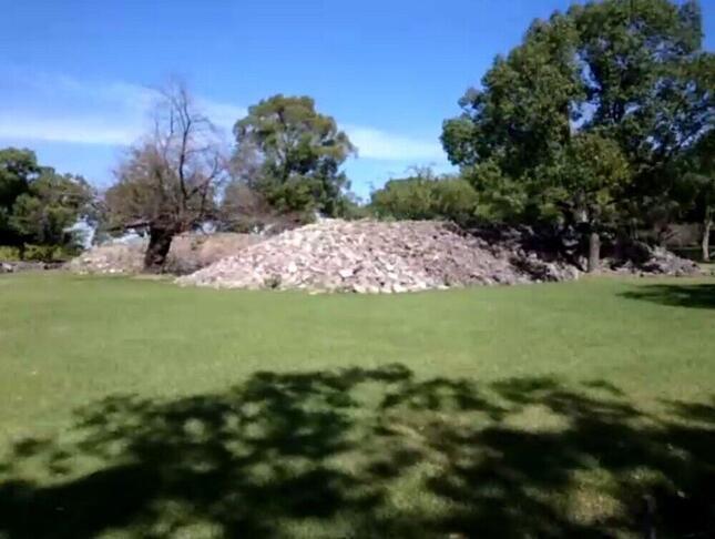 石垣の裏側において強度を高める「ぐり石」