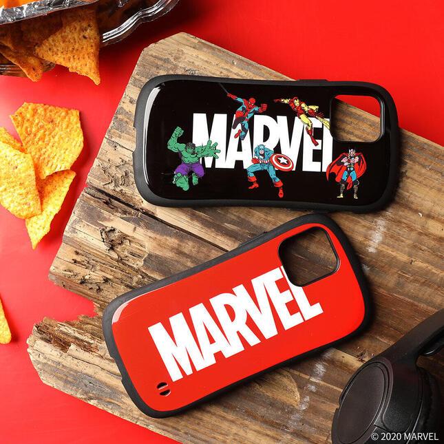 「MARVEL」と「ムーミン」キャラがiPhone 12を守る