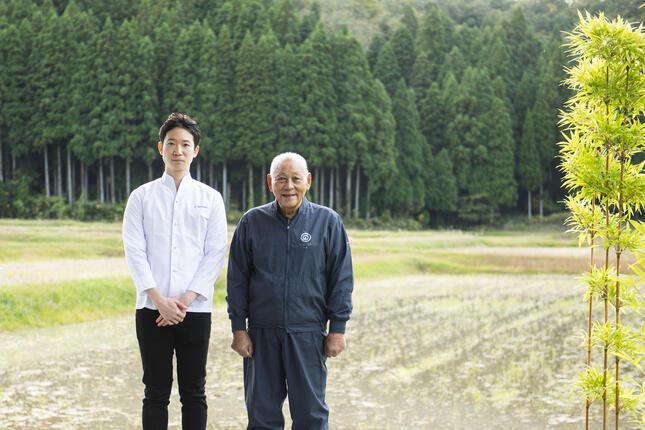 (左から)山崎志朗シェフ・農口尚彦氏
