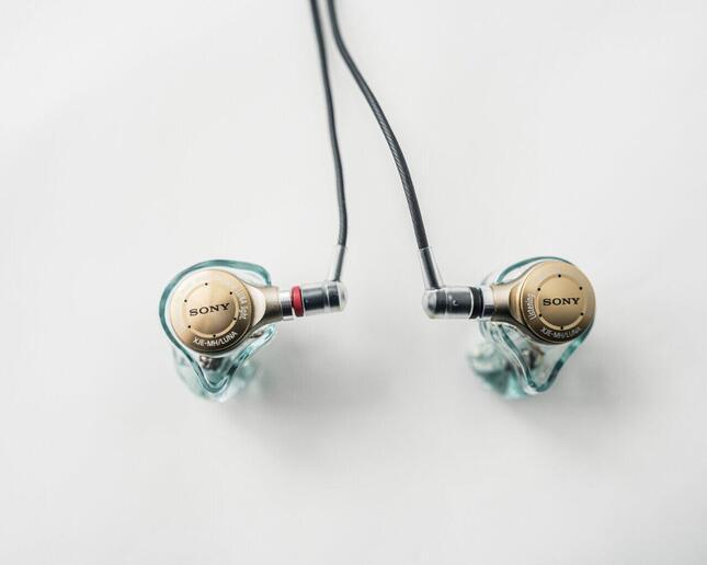 春奈るな×Just earコラボモデル『XJE-MH/LUNA』