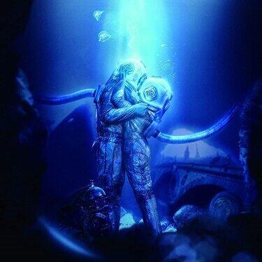 「深海の街」(Universal Music、Amazonサイトより)