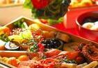 コロナ禍の正月で「おせち問題」 家にいるから「食べない」か「豪華にする」か