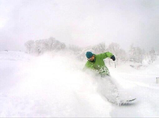 新雪「90%が空気」なのに埋もれて窒息死…なぜ