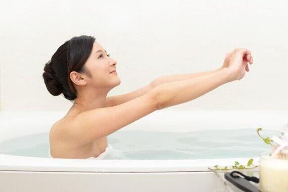 冬場の入浴には細心の注意を(画像はイメージ)