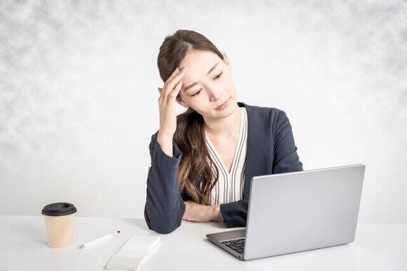 テレワークできるのになぜ出社する?(画像はイメージ)