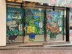 「100日後に死ぬワニ」紀伊國屋書店に出現 特設コーナーでグッズ販売、客入りは