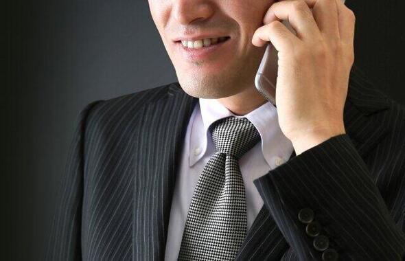 その通信会社からの電話、大丈夫?(写真はイメージ)