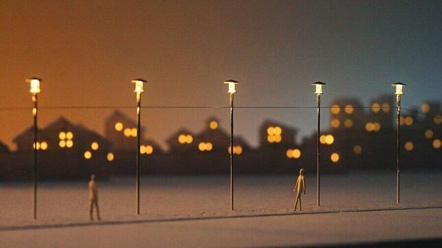 街灯にも次々に明かりがつき始める