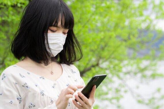 マスクをしていては基本的に顔認証ができない(写真はイメージ)