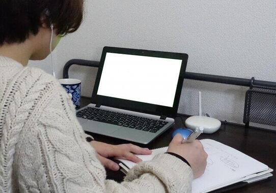 オンライン授業が当たり前になった中、学生は(写真はイメージです)