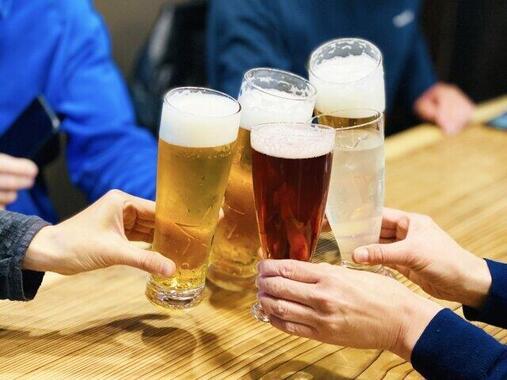 大学からは飲み会に「自粛要請」(写真はイメージ)