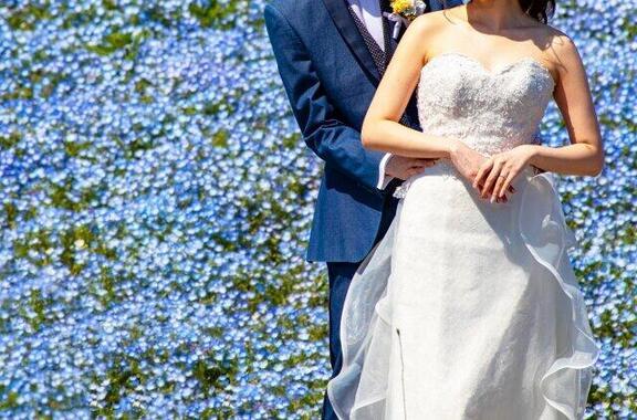 年明けからコロナが拡大、緊急事態宣言も出され、2月段階で結婚を見合わせた人が少なくなかったようだ