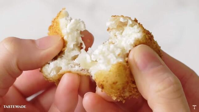チーズではない新感覚の食感と味が楽しめる「揚げヨーグルト」
