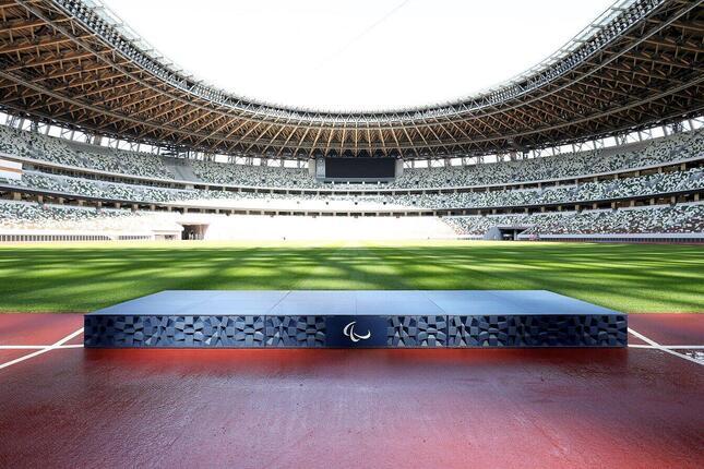 東京2020パラリンピック表彰台(c)Tokyo 2020