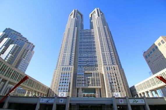 東京都議は、およそ3人に1人が女性となった