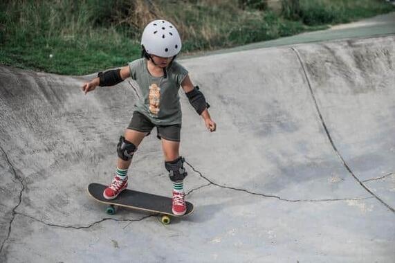 スケートボードに親世代から熱視線?(写真はイメージ)