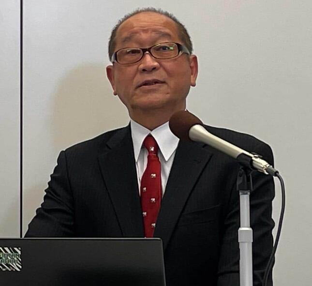 子どもの歯周病リスクや「唾液力」について説明する岡崎好秀教授
