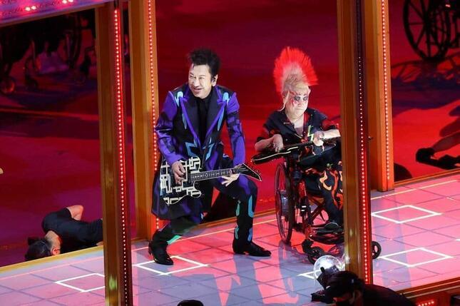 布袋寅泰さんがパラリンピック開会式に登場(写真:YUTAKA/アフロスポーツ)