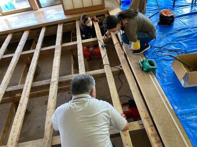 大町町の浸水による被害の様子(写真提供:ピースボート災害支援センター)