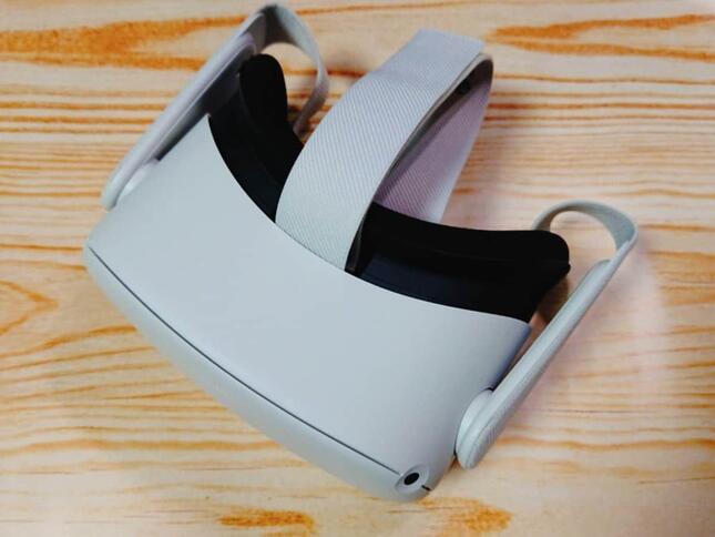 VRヘッドセット「Oculus Quest2」の本体