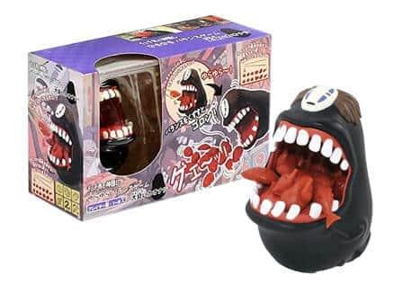 カオナシの口の中にマスコットを乗せたり、逆に取ったりして遊ぶ