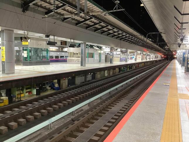 新幹線ホームに潜入、終電後しか見ることができない、ビューポイント案内