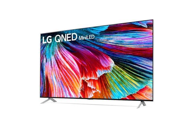 新時代の8K液晶テレビは「黒」も美しい