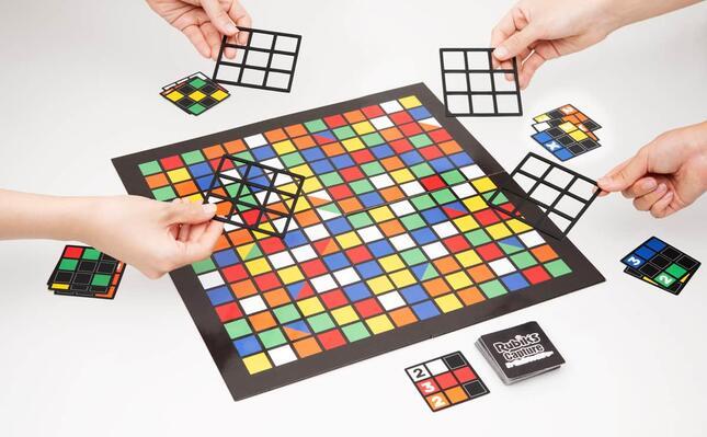 「ルービックキューブ」カラーのボードから、いち早く同じ配置を見つけろ!