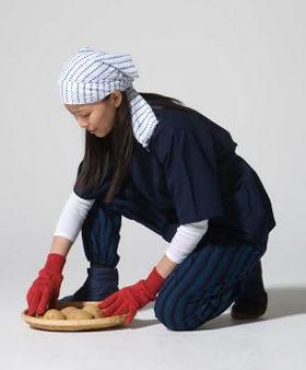 着心地の良さから普段着として愛用する人もいる「たももシャツ」(写真・谷脇貢史)