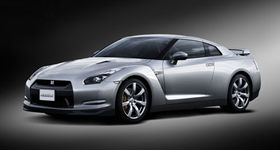 「NISSAN GT-R」は販売の予約受付開始から2ヶ月で受注2200台を達成した