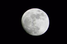 ルナエンバシー社のHPによると、月の土地の所有者(?)は全世界で約130万人いるとか。